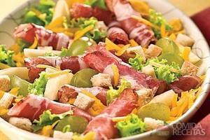 Salada de copa e queijo cheddar