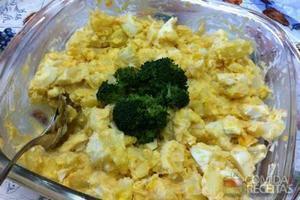Salada de batata com ovos