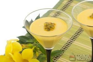 Mousse de maracujá e gelatina