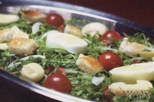 Salada de couve com bacon