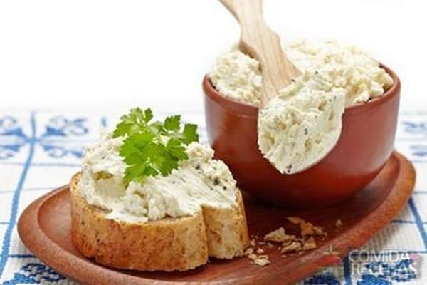 Receita de Pasta de ricota com alho e ervas - Comida e Receitas