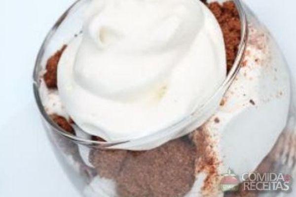 Sobremesa com picolé sabor brownie