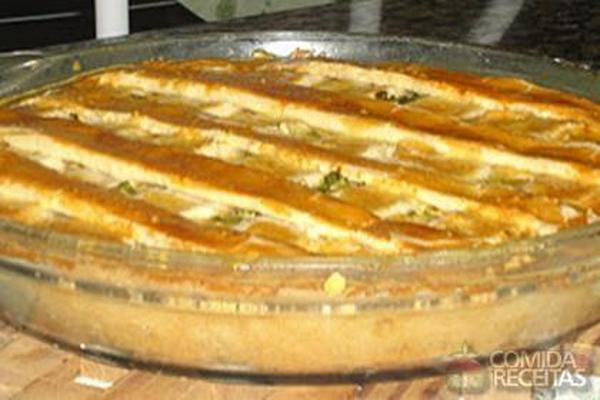 Receita de Torta de bacalhau com massa de iogurte - Comida e Receitas