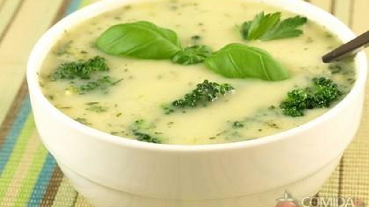 Receita De Sopa De Brócolis Com Queijo Comida E Receitas