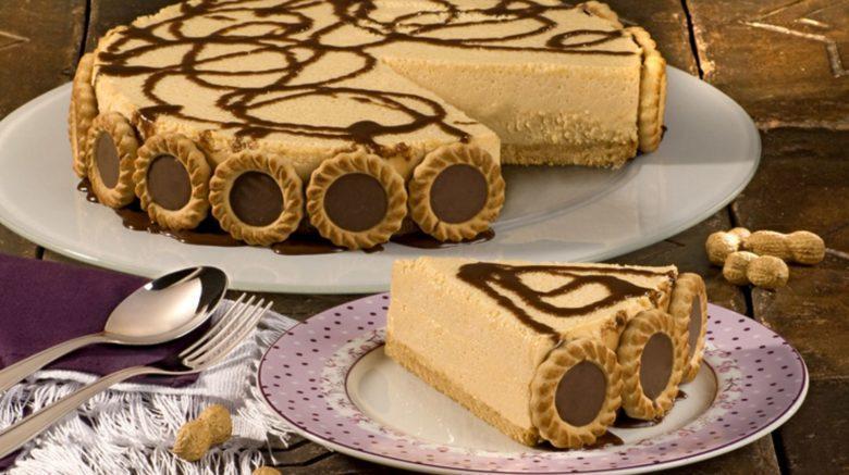 Torta mousse de doce de leite com amendoim