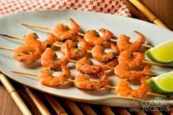 Espetinho de camarão