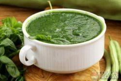 Sopa de espinafre e agrião