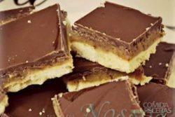 Biscoito de caramelo e chocolate