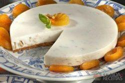 Cheesecake de nozes e damasco