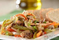 Antepasto de legumes com sardinha