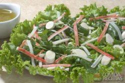 Salada verde com kani