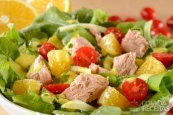 Salada de laranja com erva doce e atum