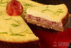 Cheesecake salgado de salame