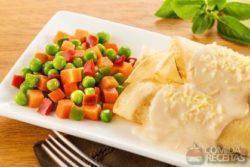 Panqueca recheada com vegetais à grega
