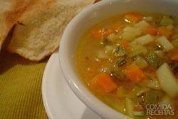 Sopa de legumes árabe