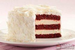 Red velvet com mousse de cheesecake
