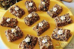 Barrinha de cereal e biscoito