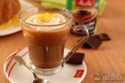 Cappuccino de chocolate com toque de laranja