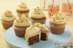 Cupcake recheado com nikito