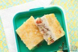 Torta de liquidificador de arroz com sardinha