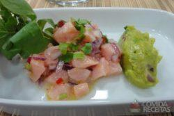 Ceviche de salmão e abacate