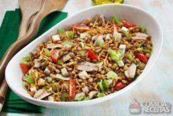 Salada de lentilha com sardinha