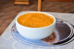 Caldo de cenoura com gengibre fit