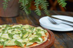 Pizza vegetariana de abobrinha