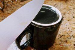 afiar faca na xícara
