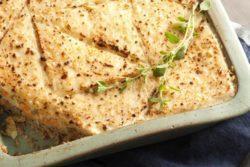 Torta de pão de forma com atum e cenoura