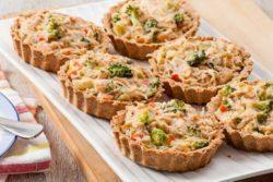Torta integral de frango com legumes sem ovo e sem lactose