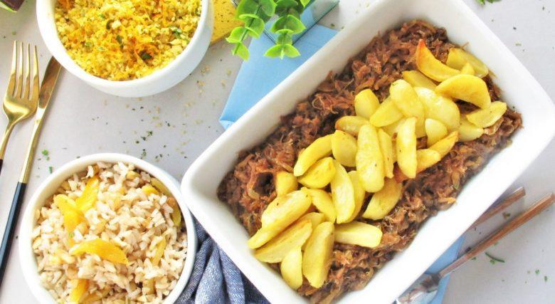 Carne suína com cebola caramelizada e batata