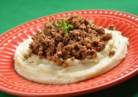 Carne moída refogada com páprica doce e orégano