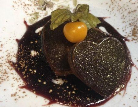 Mousse de chocolate com aromatização de café e nibs de cacau