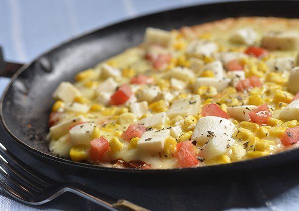 Pizza de frigideira de palmito e milho