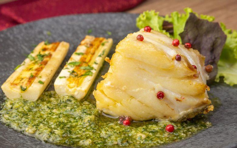 Lombo de bacalhau grelhado com pupunha