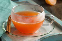 Chá de hibisco, tangerina e canela