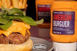 Hambúrguer de Costela, Cebola Roxa e American Burguer