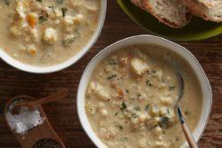 Sopa cremosa de couve-flor especial