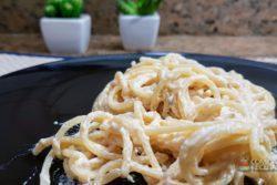 Espaguete ao molho de gorgonzola
