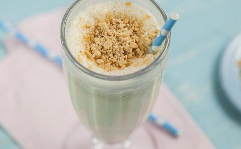 Milkshake de paçoca e leite condensado