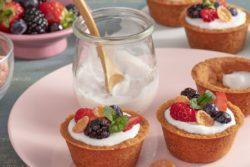 Cestinha crocante de frutas e iogurte