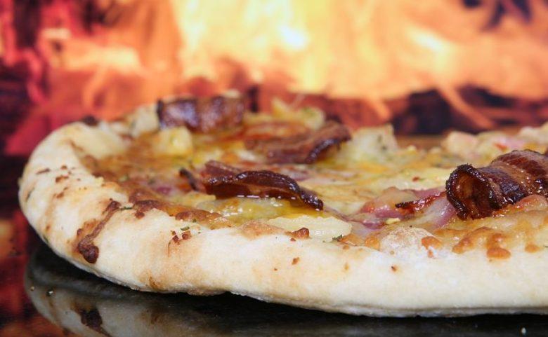 Massa de pizza para forno a lenha