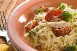 Nissin Lámen com tomate seco