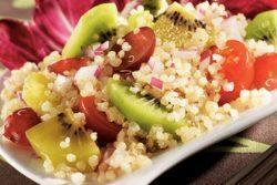 Salada de quinoa com kiwi