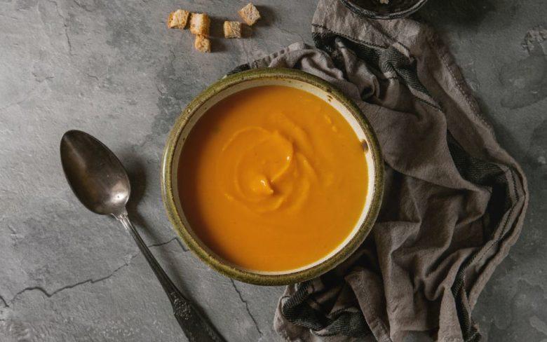 Sopa de abóbora com cenoura diferente