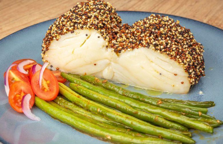 Bacalhau da Noruega com crosta de quinoa