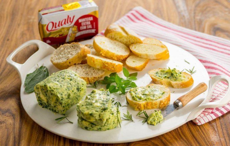 Manteiga tradicional temperada com ervas