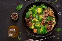 Risoto de quinoa com brócolis