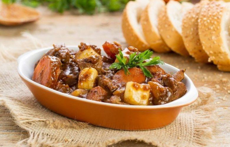Bife de panela com batata